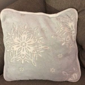 Other - Holiday Burnout Snowflake velvet and Sherpa pillow